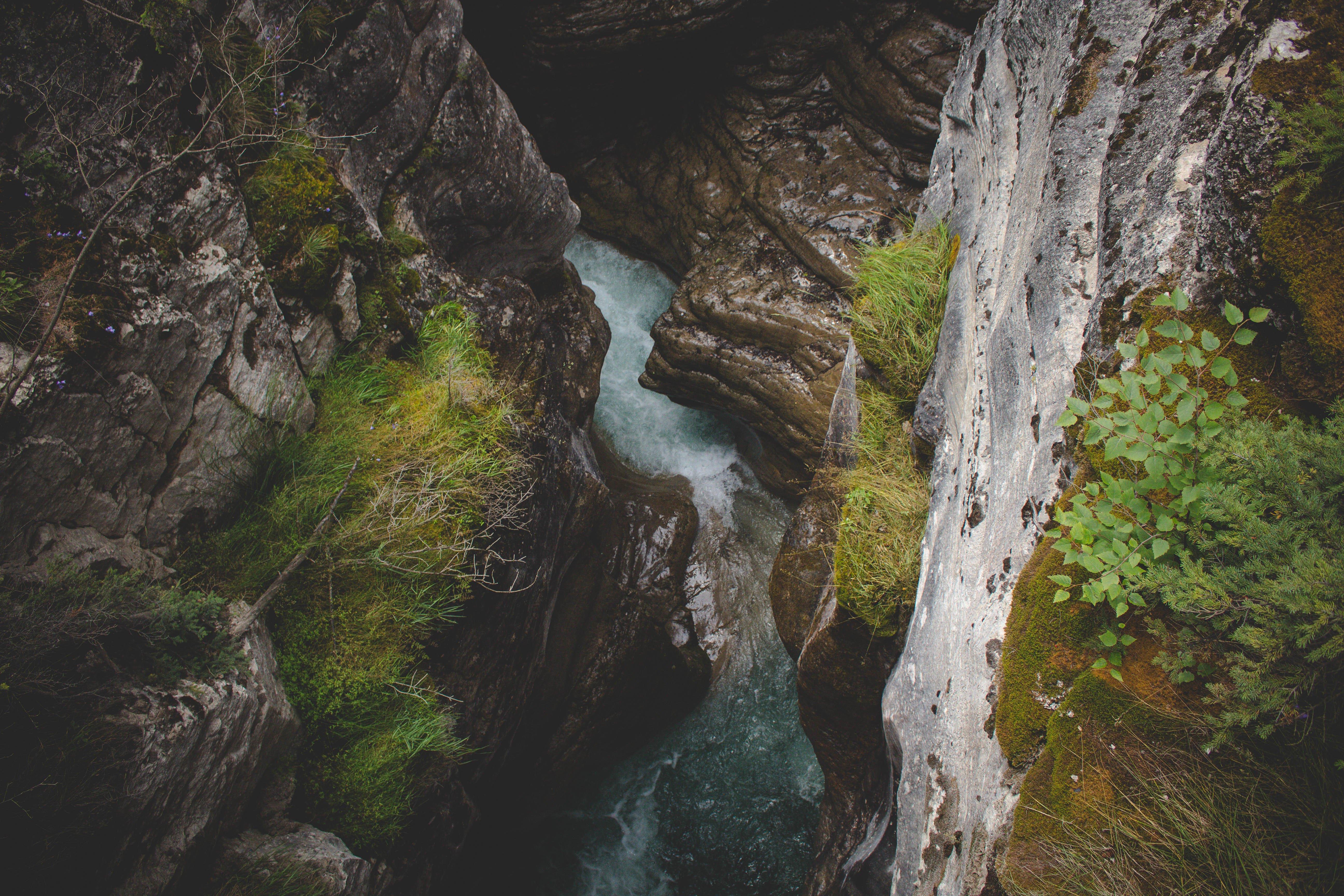 caution cliffs